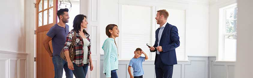 What Kind of Service Should Buyers Expect From Their Real Estate Agent?
